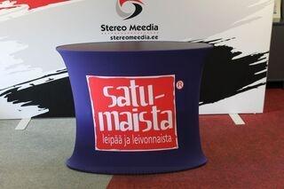 Satumaista logoga reklaamlaud